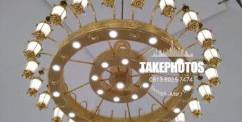 Keindahan Replika Lampu Masjid Nabawi dari Tiga Putra Gallery