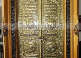 Miniatur Pintu Ka'bah Kuningan